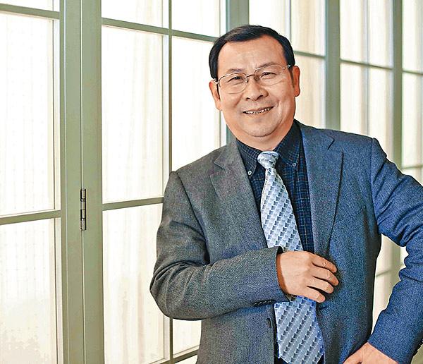 徐永光提出社會企業必須與互聯網相結合,以便發揮最大的社會效應。